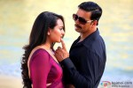 Sonakshi Sinha and Akshay Kumar in Once Upon A Time In Mumbaai Dobaara! Movie Stills Pic 3