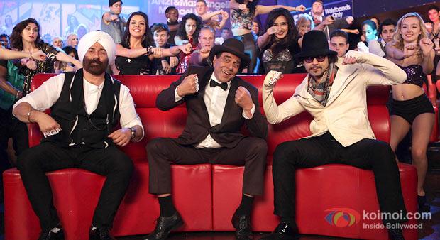 Sunny Deol, Dharmendra, Bobby Deol in Yamla Pagla Deewana 2 Movie Stills