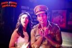Ileana D'Cruz and Shahid Kapoor in Phata Poster Nikhla Hero Movie Stills Pic 5