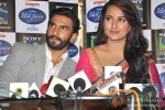 Ranveer Singh And Sonakshi Sinha Promote Lootera on the sets of Indian Idol Junior Pic 1