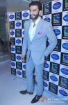 Ranveer Singh Promotes Lootera on the sets of Indian Idol Junior Pic 2