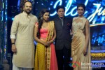 Rohit Shetty, Shreya Ghoshal, Shah Rukh Khan And Deepika Padukone Promote Chennai Express On Indian Idol Junior Pic 2