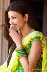 Shruti Haasan breaks into an impromptu laugh