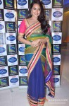 Sonakshi Sinha Promotes Lootera on the sets of Indian Idol Junior Pic 3