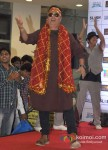 Vinay Pathak Promote Bajatey Raho At R City Mall Ghatkopar