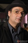 Vinay Pathak in a still from Raat Gayi Baat Gayi