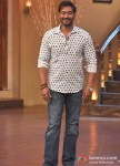 Ajay Devgn Promotes Satyagraha At 'Comedy Nights with Kapil' Pic 3