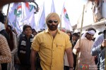 Johnny Lever and Sunny Deol in Singh Saab The Great Movie Stills