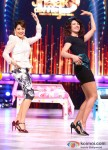Madhuri Dixit And Priyanka Chopra Promote 'Zanjeer' on 'Jhalak Dikhla Jaa' Pic 1