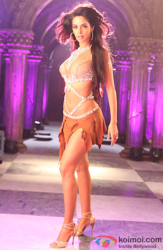 Mallika Sherawat in a still from Tezz
