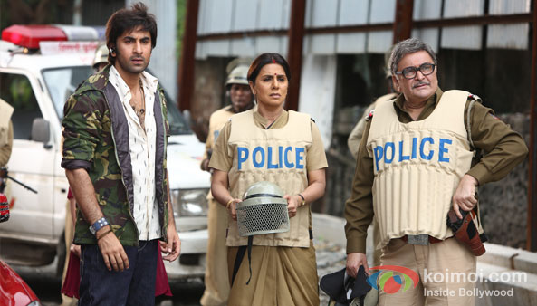 Ranbir Kapoor, Neetu Kapoor And Rishi Kapoor in Besharam Movie Stills