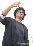 Shah Rukh Khan Celebrates Independence Day at Chennai Express Promotional Event Pic 5