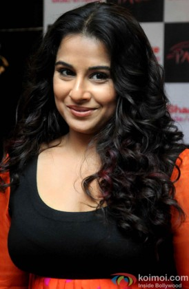 A Naughty Vidya Balan Looks On