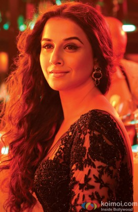A Sizzling Vidya Balan From A Song Still