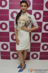 A Stylish Alia Bhatt Poses For Shutterbugs