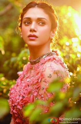Aditi Rao Hydari Snapped In Thoughts