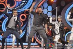 Akshay Kumar promotes 'Boss' on 'DID - Dance Ka Tashan' show Pic 2