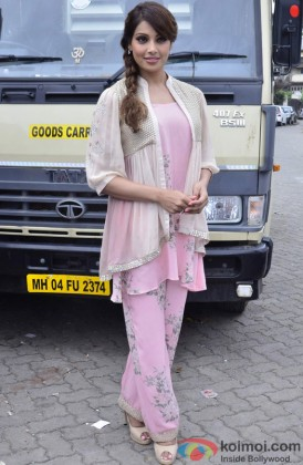 Bipasha Basu Looking Pretty In Pink