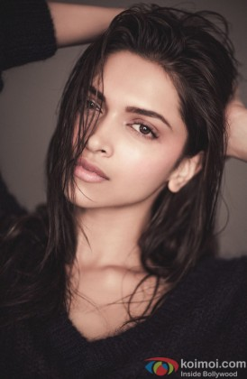 Deepika Padukone Looking Sexy With Wet Hair