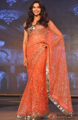 Deepika Padukone Looking Stunning In A Saree