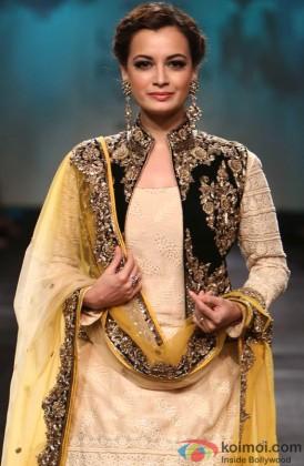 Dia Mirza Looks Stunning On The Ramp