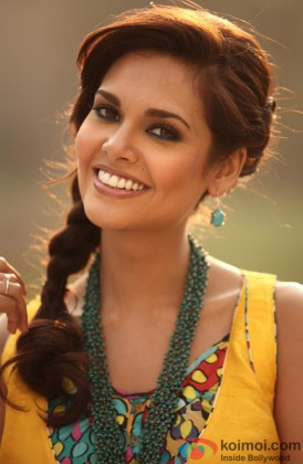 Esha Gupta Snapped Flaunting Her Pretty Smile