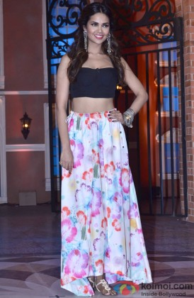 Esha Gupta Snapped In A Stylish Avatar At An Event