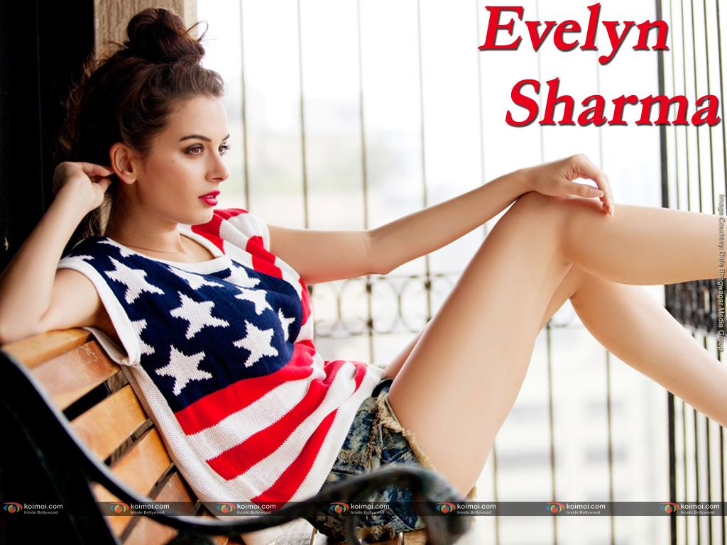 Evelyn Sharma Wallpaper 4