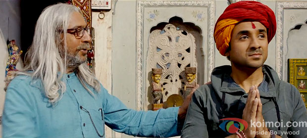 Gulshan Grover And Vir Das in Sooper Se Oopar Movie Stills