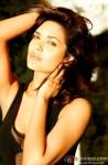 Hot Esha Gupta poses stunningly!