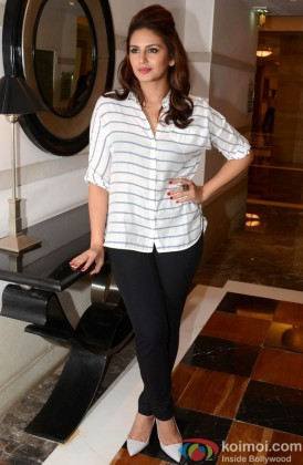 Huma Qureshi Looks Stunning In Casuals
