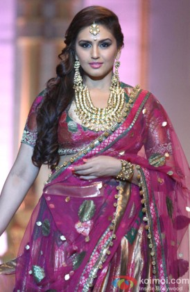 Huma Qureshi Walks The Ramp At Aamby Valley India Bridal Fashion Week 2013
