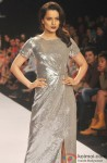 Kangana Ranaut Sizzles In Silver At LFW Spring/Summer 2014