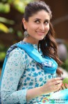 Kareena Kapoor Flashes Her Pretty Smile