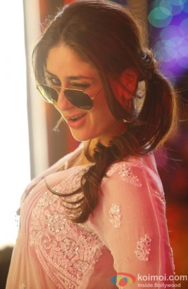 Kareena Kapoor Looking Stunning With Aviators