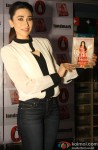 Karisma Kapoor unveils her book 'My Yummy Mummy Guide' Pic 2