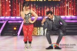 Lauren Gottlibe Ranbir Kapoor Promote Besharam On the sets of Jhalak Dikhla Ja Season 6