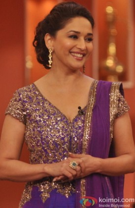 Madhuri Dixit on the sets of 'Comedy Nights with Kapil'