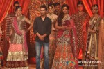 Mugdha Godse walks the ramp for Vikram Phadnis Pic 5