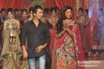 Mugdha Godse walks the ramp for Vikram Phadnis Pic 4