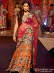 Mugdha Godse walks the ramp for Vikram Phadnis Pic 2