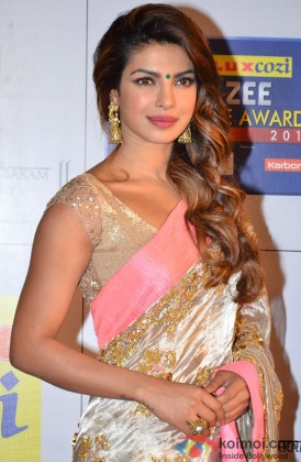 Priyanka Chopra Looking Beautiful In A Saree