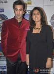 Ranbir Kapoor & Neetu Kapoor promote 'Besharam' on KBC - Season 7 Pic 2