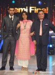 Ranbir Kapoor, Neetu Singh And Rishi Kapoor Promote Besharam On the sets of Jhalak Dikhla Ja Season 6 Pic 2