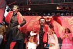 Ranbir Kapoor, Rishi Kapoor And Neetu SIngh Kapoor celebrate Diwali at Times Square, New York