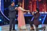 Rishi Kapoor, Neetu Singh And Kapil Sharma Promote Besharam On the sets of Jhalak Dikhla Ja Season 6