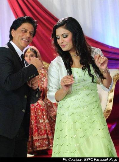 Shah Rukh Khan At A High Profile London Wedding Pic 5