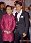 Shah Rukh Khan at Yogesh Lakhani's Birthday Bash Pic 2