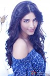 Shruti Haasan gives a stunning pose!