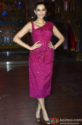 Sonam Kapoor Looking Gorgeous In A Pink Outfit
